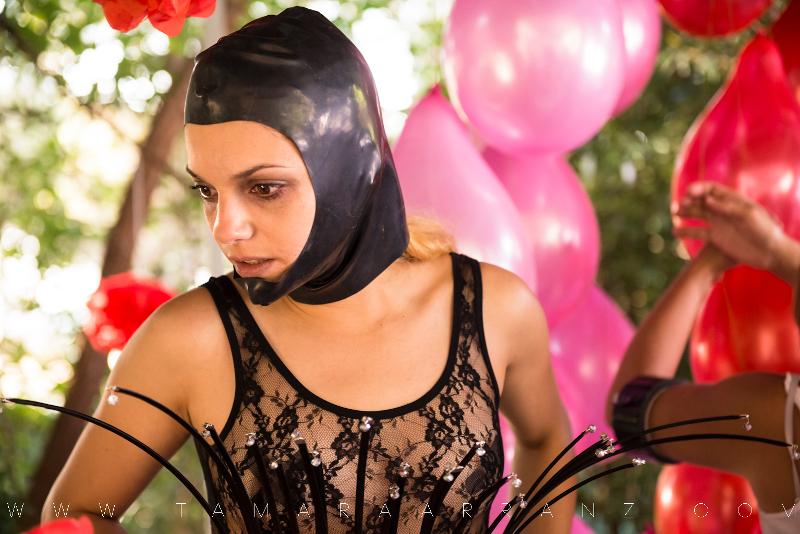 sabrina praga chica en chica lgtb lesbiana comedia cine rai sebastian