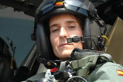 patricia campos piloto reactor armada militar mujer