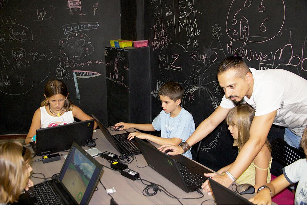 mr willbe educación enseñanza diversión talleres creatividad fotografia tecnologia oratoria debate ana alvarez