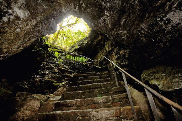 azores terceira portugal viaje turismo islas vacaciones atlantico volcan cueva