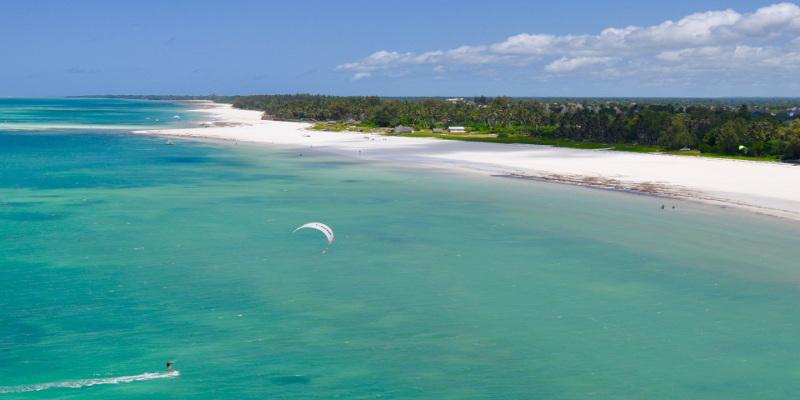 kenia viaje turismo vacaciones activas kite surf mar