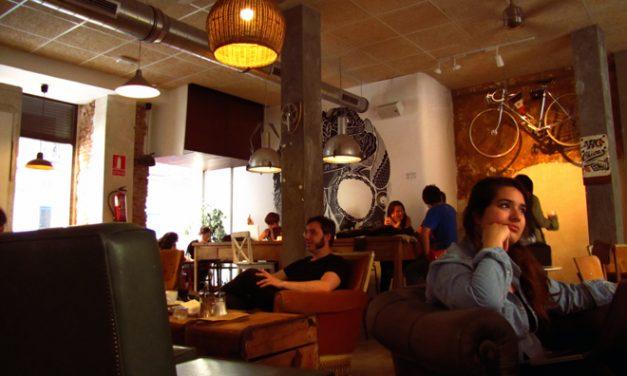 La Bicicleta Cycling Café & Workplace: arte, café y bicis