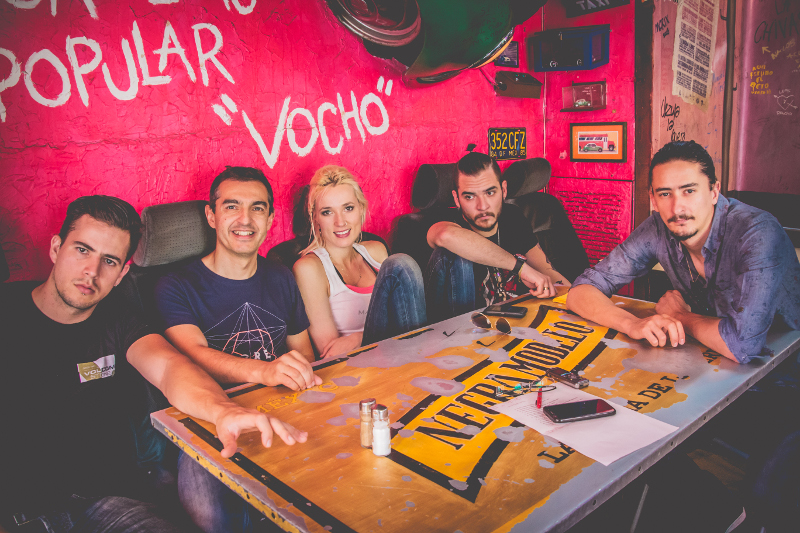 jenny and the mexicats barriga llena madrid mexico rock pop ritmo cumbia trompeta