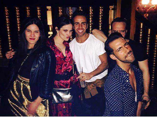 mairen muñoz movimiento gafas de sol actriz modelo glamour magazine madrid revista blog bastidores