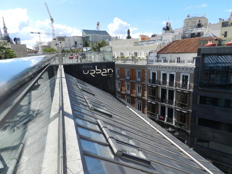 azoteas madrid hotel urban lujo terraza