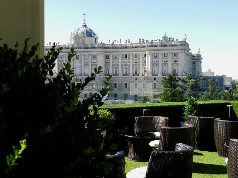palacio real madrid terraza jardines sabatini