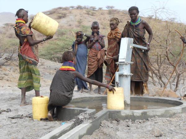 agua fuente africa proyecto solidario auara