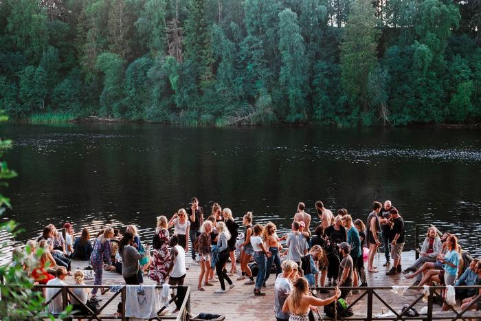 pre-fiesta party lago perfecta
