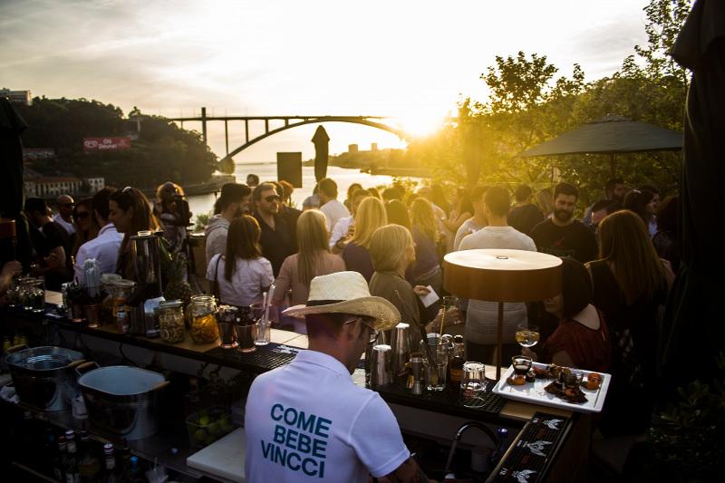 Las increíbles vistas y ambiente del Douro Sky Lounge