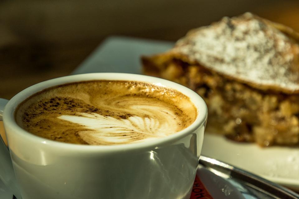 tomar café y dormir bien